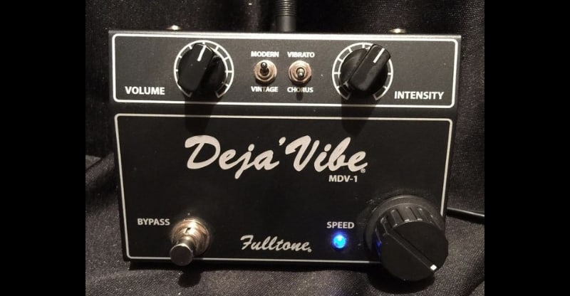 picture of a fulltone deja-vibe pedal