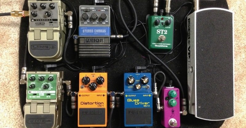 pedalboard with volume pedal