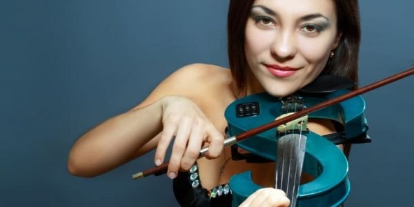 woman playing an electric violin