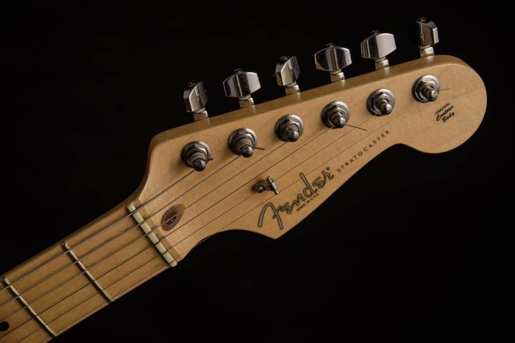 picture of fender headstock