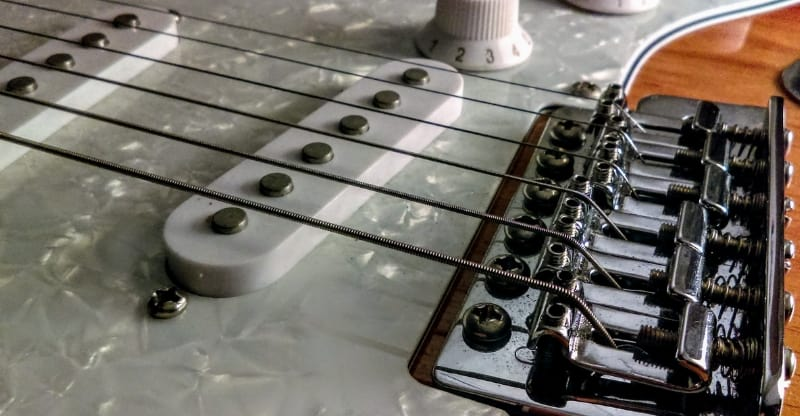 stratocaster pickups and bridge