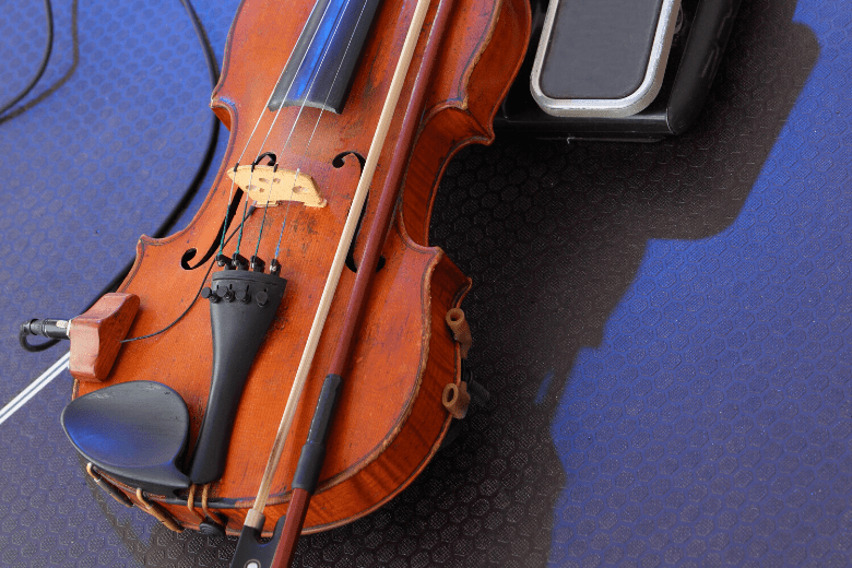 Violin with pickup fitted