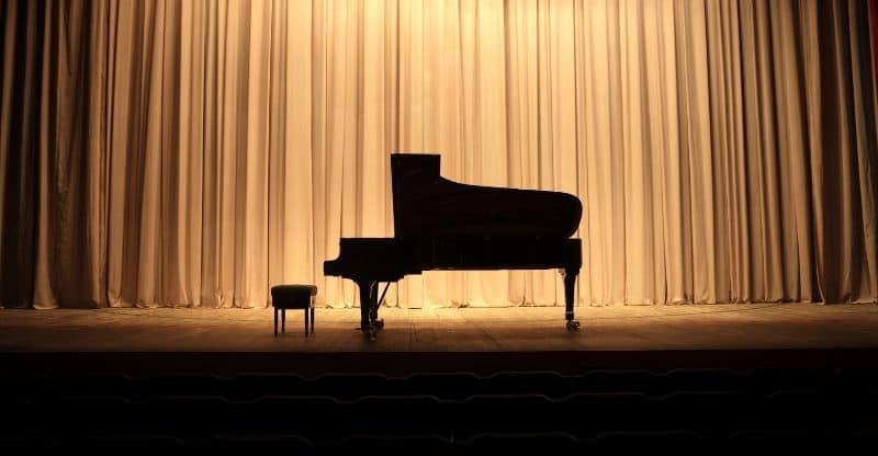 silhouette of a grand piano