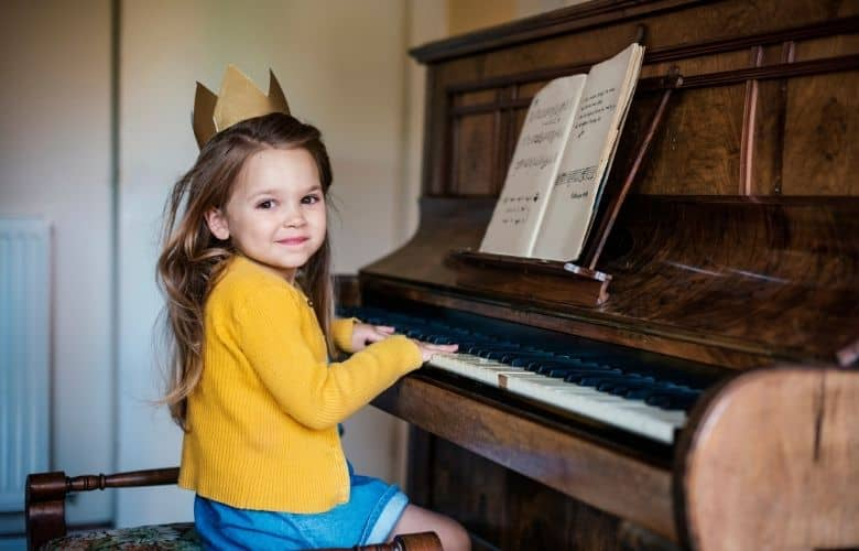 standard upright piano